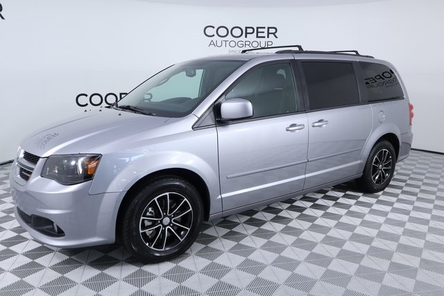 Pre Owned 2016 Dodge Grand Caravan R T